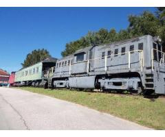 Train cars (2)
