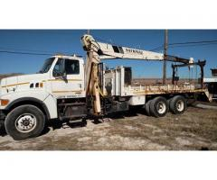 01 STERLING HY RAIL CRANE