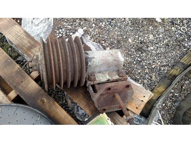 5 belt fan idler pulley & mount
