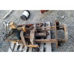 Hyd. roller bearing puller